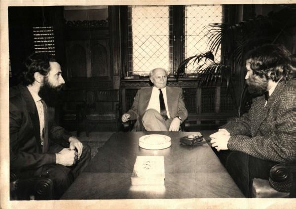interjú a parlamentben